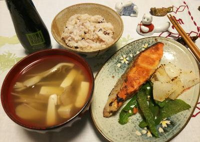 DSC_0801_1106夜-鮭ピーマン大根焼き、お吸い物、雑穀ご飯_400.jpg