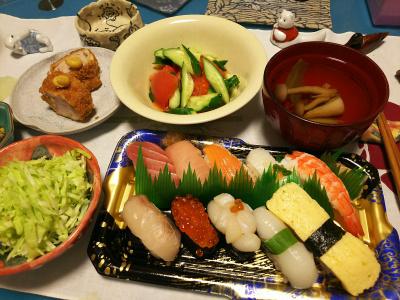 DSC_0923_1126夜-にぎり寿司、ヒレカツ、キャベツ千切り、キュウリとトマトサラダ、お吸い物、新しいMy器2個と箸置き_400.jpg