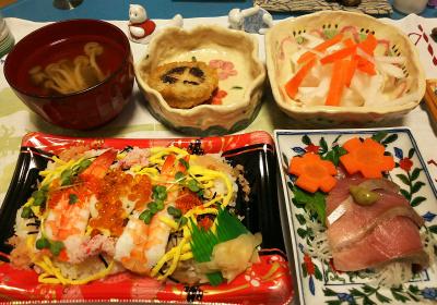 DSC_1133_1208夜-海鮮チラシ寿司、鰤刺身、シイタケ詰めフライ、しめじ吸い物、大根サラダ_400.jpg