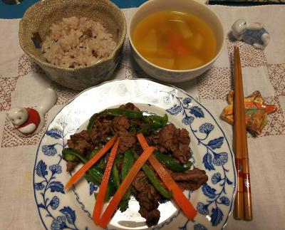 DSC_1230_1218深夜-ビーフ炒め、野菜スープ、雑穀ご飯_400.jpg