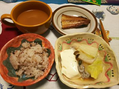 DSC_1403_0114深夜-湯豆腐、ほっけ焼き、小豆ご飯_400.jpg