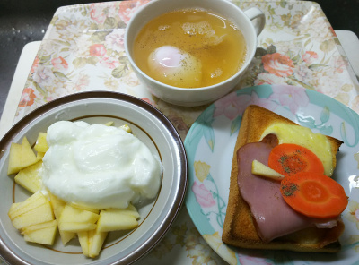 DSC_1419_0118昼-チーズ・ポークトースト、温泉卵スープ、リンゴヨーグルト_400.jpg