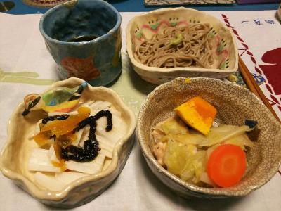 DSC_1955_0406夜-鶏と野菜煮物、大根のマーマレード和え、蕎麦_400.jpg
