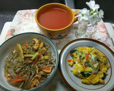 DSC_2149_0423昼-山菜蕎麦、ほうれん草のオムレツ、野菜スープ_400.jpg