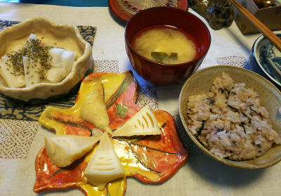 DSC_2232_0426昼-茹でたて筍の穂先、大根わさび胡麻、みそ汁、雑穀ご飯_400.jpg