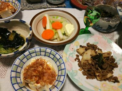 DSC_2267_0429夜-そぼろ筍、冷ややっこ、わかめの酢の物、セロリサラダ、セロリの葉の佃煮_400.jpg