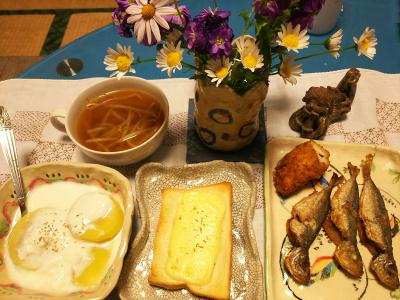 DSC_2407_0508夜-小あじ唐揚げ、チーズささみかつ、もやしエスニックスープ、ニーズトースト、キーウィヨーグルト_400.jpg