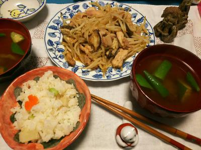 DSC_2417_0510夜-筍ご飯、オクラとザーサイスープ、みそ漬けポークとモヤシ炒め_400.jpg