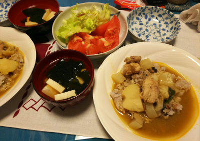 DSC_2670_0525夜-チキンカレー、トマトレタスサラダ、豆腐わかめスープ_400.jpg