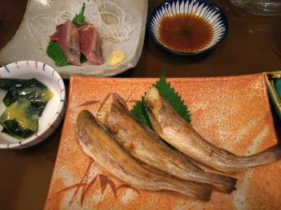 DSC_2697_0529夕食・外食-コマイ一夜干し、かつお、プチプチサラダ、山菜みそ、ウーロン茶_400.jpg