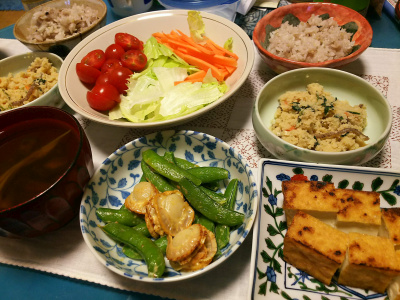 DSC_2739_0603夜-ホタテとスナップエンドウのマヨネーズ炒め、厚揚げ焼き、サラダ、おから、お吸い物、雑穀ご飯_400.jpg