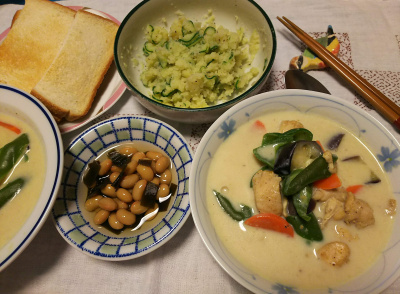 DSC_2764_0606夜-チキンクリームシチューカレー風味、ポテトサラダ、こぶ煮豆、トースト_400.jpg