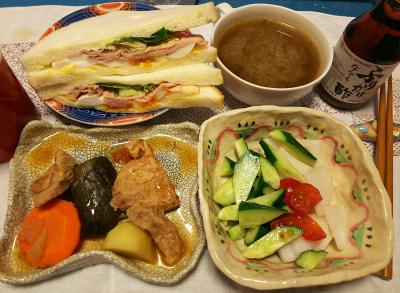 DSC_2814_0611深夜-ポークと野菜のトマト煮、サラダ、ハム卵サンド、みそ汁、ふりかけ酢_400.jpg