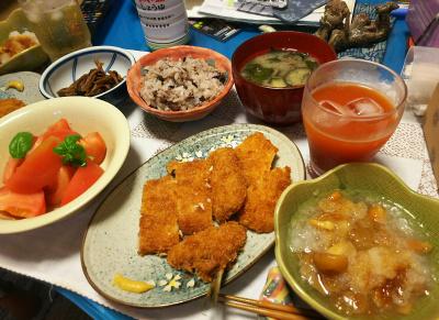DSC_2949_0620夜-アジとイカフライ、なめこおろし、干ししめじの佃煮、トマト、みそ汁、小豆ご飯_400.jpg
