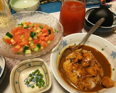DSC_3009_0622夜-チキン入りビーフカレー、バジル風味サラダ、茹でた実山椒、トマトジュース_400.jpg