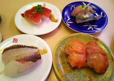 DSC_3109_0702昼・外食-回転ずし、マグロ、鯵、鯛、赤貝_400.jpg