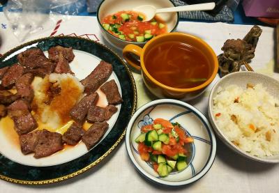 DSC_3159_0707夜-ビーフステーキおろし添え、サイコロサラダ、スープ、すし飯_400.jpg