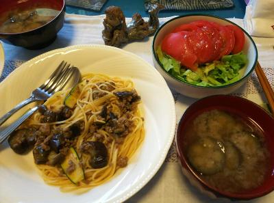 DSC_3289_0721昼-ナスそぼろスパゲッティ、トマトサラダ、ナスの味噌汁_400.jpg
