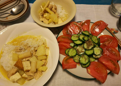DSC_3321_0725夜-チキンと筍のタイカレー、トマトとキュウリの胡麻サラダ_400.jpg
