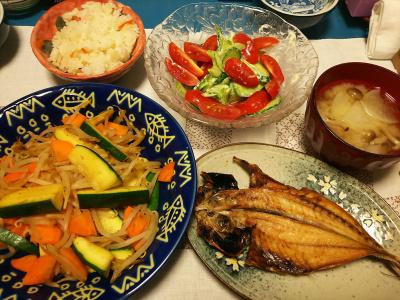 DSC_3386_0729夜-鯵干物焼き、ズッキーニとモヤシカレー、ミニトマトとセロリサラダ、しめじと大根みそ汁、すし飯_400.jpg