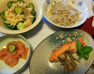 DSC_3445_0804昼-鮭焼きバジル添え、辛子明太子、ポテトサラダ、流水麺蕎麦_400.jpg
