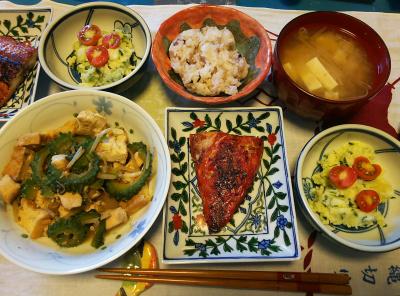DSC_3450_0805昼-採れたてミニトマトのポテトサラダ、鯖の味醂干し、ゴーヤチャンプルー、みそ汁、雑穀ご飯_400.jpg