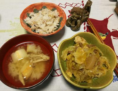 DSC_3472_0807夜-キャベツと大根そぼろ煮、麩の味噌汁、雑穀ご飯_400.jpg