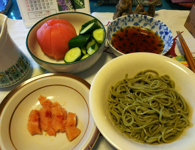 DSC_3485_0810昼-茶そば、辛子明太子、トマトとキュウリサラダ_400.jpg