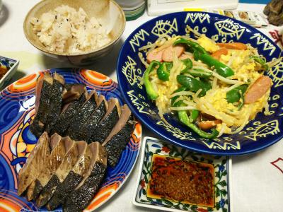 DSC_3489_0810夜-カツオのたたき、モヤシとソーセージの卵とじ_400.jpg
