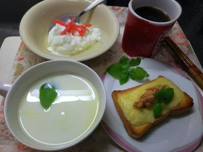 DSC_3558_0818昼-チーズ明太子トースト、冷製枝豆ミルクスープ、生姜ヨーグルト_400.jpg