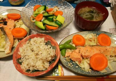 DSC_3663_0826夜-鮭蒸し焼き、アボカドとちくわサラダ、縄文ご飯、みそ汁_400.jpg