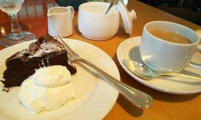 DSC_3699_0829昼・外食-ショコラケーキとコーヒー_400.jpg