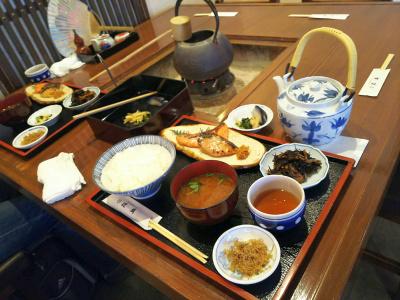 DSC_3762_0904昼・外食:近為-お漬物と食事_400.jpg