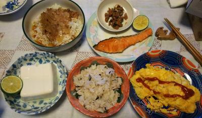 DSC_3779_0906夜-オムレツ、鮭焼きスダチ、へしこ冷ややっこ、雑穀ご飯OR牛丼_400.jpg