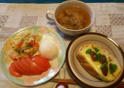 DSC_4075_0926昼-チーズトーストにあさり佃煮とバジルのせ、温泉卵、トマト、ポテトサラダ、味噌汁_400.jpg