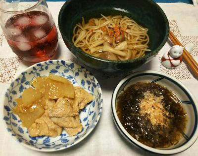 DSC_4146_0926夜-豚と大根の煮物、モズク、キノコ蕎麦、果実酢ジュース_400.jpg