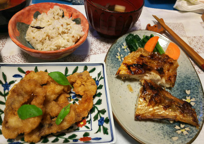 DSC_4251_1004夜-イカリング、赤魚焼き、お吸い物、縄文ご飯_400.jpg