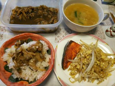 DSC_4265_1006朝-あさりご飯、鮭焼きとモヤシ卵炒め、スープ、あさり佃煮_400.jpg