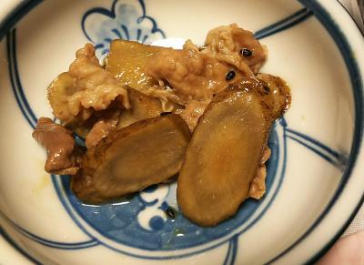 DSC_4463_1022夜-牛蒡と豚肉のうま煮_400.jpg