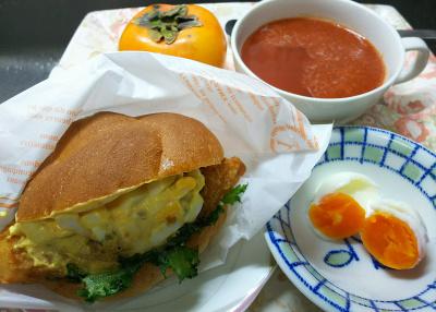 DSC_4536_1101昼-フィッシュサンド、ゆで卵、トマトスープ_400.jpg