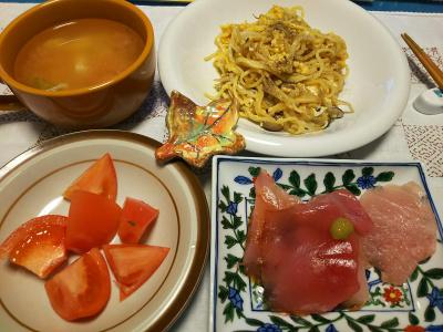 DSC_5089_1207夜-マグロ刺身、トマト、焼きそば、スープ_400.jpg