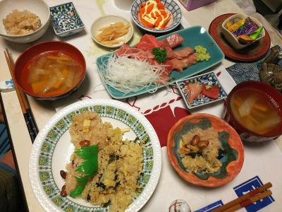 DSC_5372_1231夜-マグロぶつ、おこわ2種、白菜スープ、人参サラダ、酢漬け生姜_400.jpg