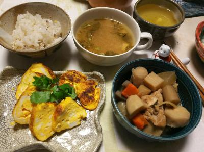 DSC_5478_0108夜-卵焼き、筑前煮、みそ汁、雑穀ご飯_400.jpg
