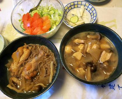 DSC_5589_0117昼-鶏もも温蕎麦とささみ温蕎麦、トマトサラダ、大根即席漬け_400.jpg