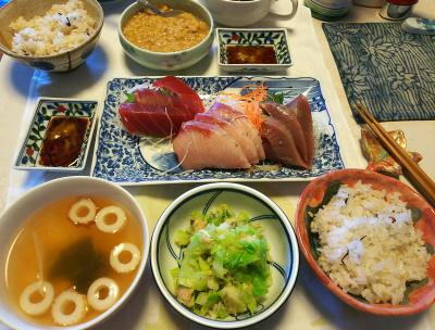 DSC_5608_0119昼-刺し身三点もり、サバサラダ、ちくわスープ、納豆、雑穀ごはん_400.jpg