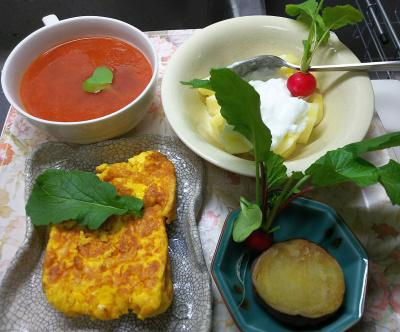 DSC_5683_0129昼-採れたてラディッシュ、四角いパンケーキ、焼き芋、トマトスープ、リンゴヨーグルト_400.jpg