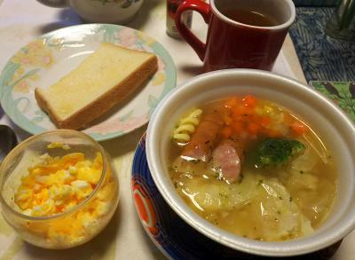 DSC_5761_0206昼-ソーセージ入りポトフ、炒り卵、トースト、紅茶_400.jpg