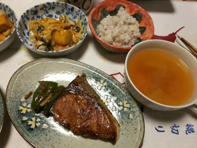 DSC_5881_0221夜-ブリの照り焼き、牡蠣とあげと白菜の炒めもの、雑穀ごはん_400.jpg