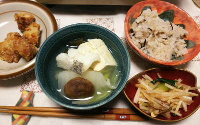 DSC_5992_0302夜-鱈湯豆腐、鶏唐揚げ、ナムル大根あえ、雑穀ごはん_400.jpg