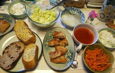 DSC_6043_0308昼-ポークソテー大根おろし、キャベツサラダ、ニンジン炒め、バナナヨーグルト、トマトスープ、パン_400.jpg